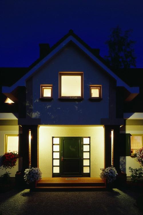 Światło wokół domu