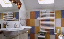 Płytki łazienkowe: kolorowe aranżacje. Galeria