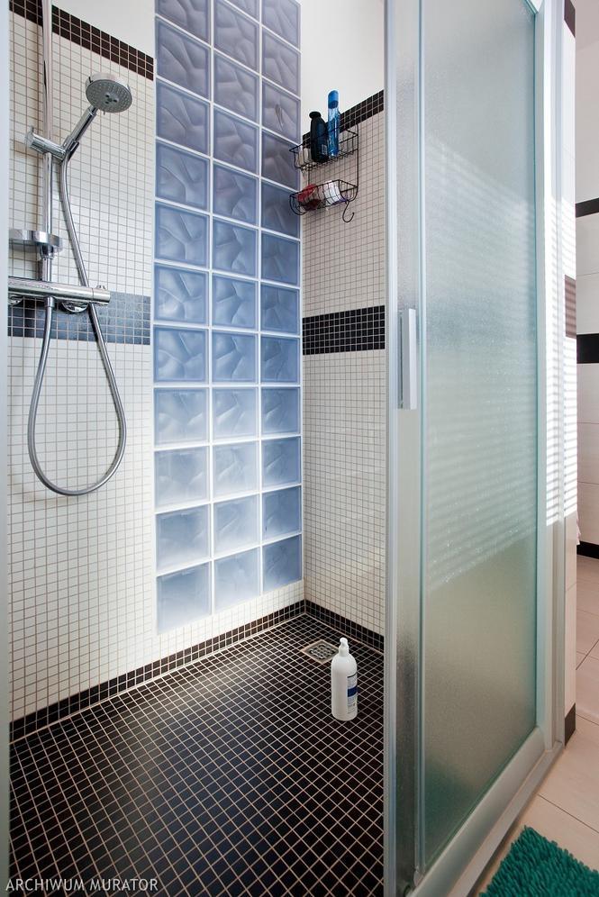Kabina prysznicowa w łazience małżeńskiej