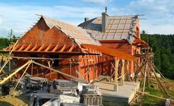 Umowa z wykonawcą - gwarancja dobrej współpracy na budowie. Co powinna zawierać umowa o roboty budowlane?