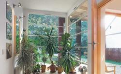 Rodzaje nawiewników okiennych: jak działają i czym się charakteryzują?