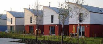 Wykonanie pokrycia dachowego z blachy: zalety i właściwości stali nierdzewnej