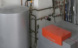 Instalacja c.o.: piec do ogrzewania, pompa ciepła czy kominek