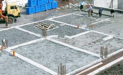 Warstwy podłogi na gruncie, czyli od podsypki przez betonowanie po podkład podłogowy - krok po kroku