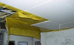 Czy sufit podwieszany może zakryć rury instalacji grzewczej?