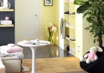 Przedpokój otwarty na pokój dzienny. Jak połączyć oba wnętrza?